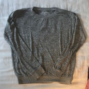 Lightweight sweatshirt/long sleeved t-shirt